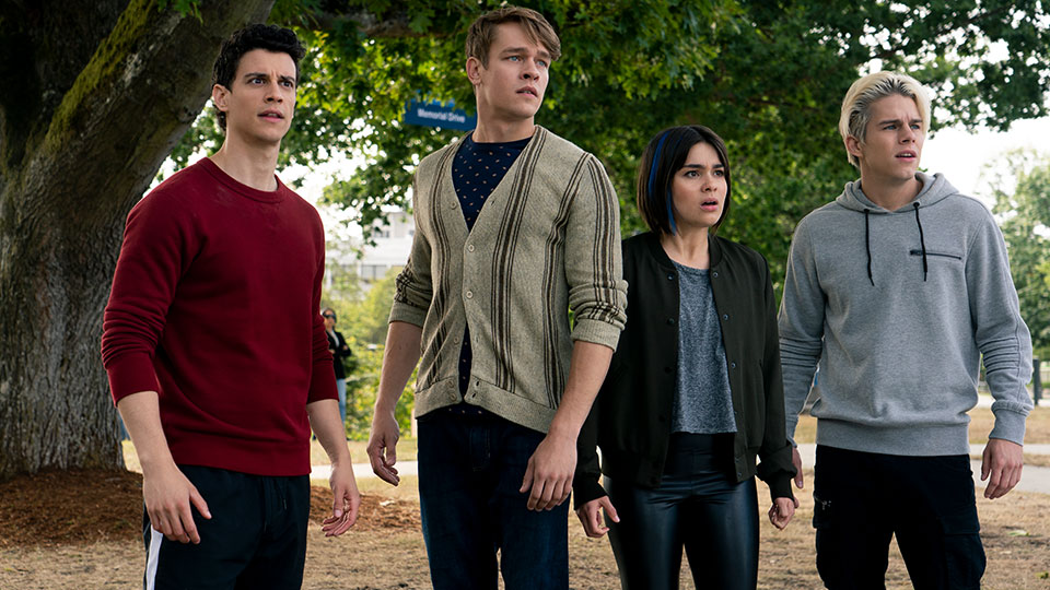 Randall (Adam Dimarco),-Hamish (Thomas Elms),-Lilith (Devery Jacobs) und Jack (Jake Manley)