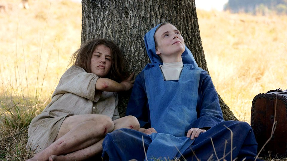 Marie (Ariana Rivoire), Sister Marguerite (Isabelle Carre)
